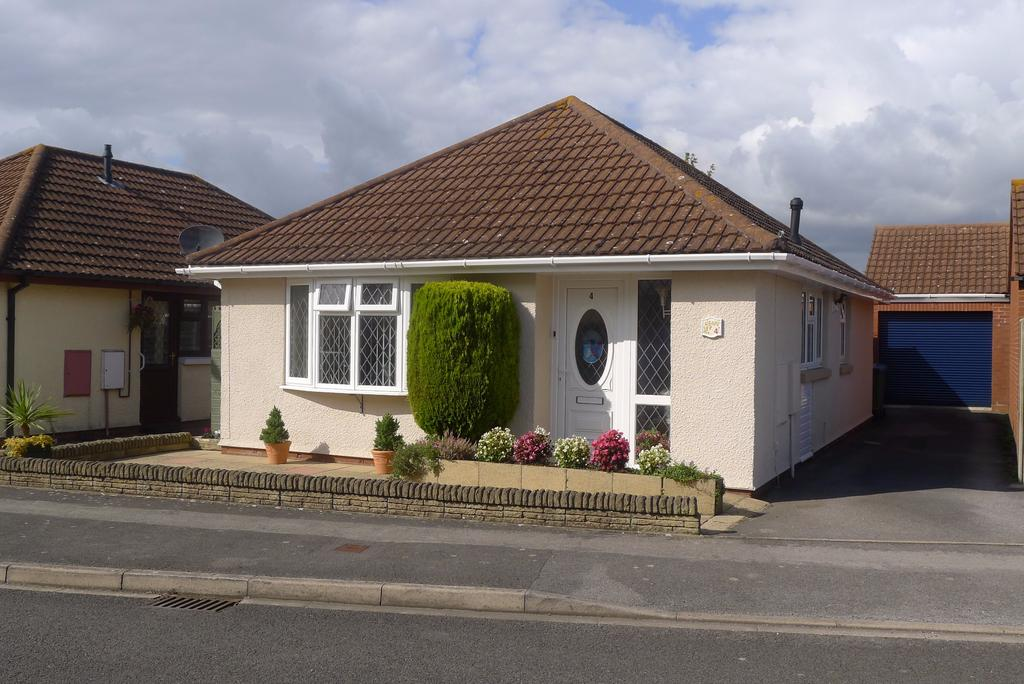 2 Bedrooms Detached Bungalow for sale in PORTCHESTER