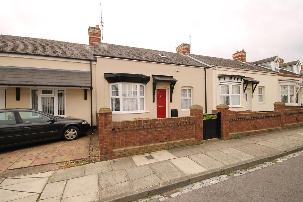 4 Bedrooms Terraced Bungalow for sale in Percy Street, Hartlepool