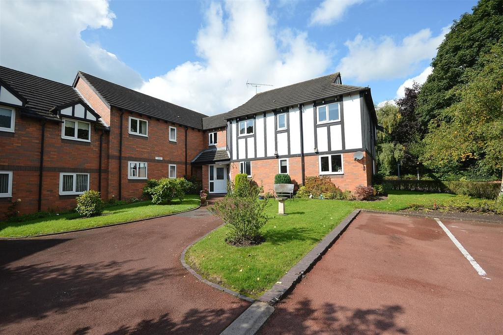 2 Bedrooms Apartment Flat for sale in Chestnut House, Brook Court, Sandbach