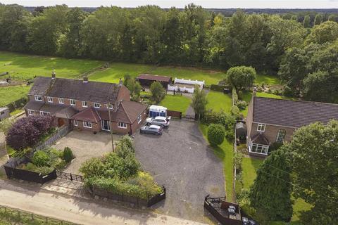 4 bedroom equestrian facility for sale - Burma Road, Hurworth Moor, Darlington, County Durham, DL2