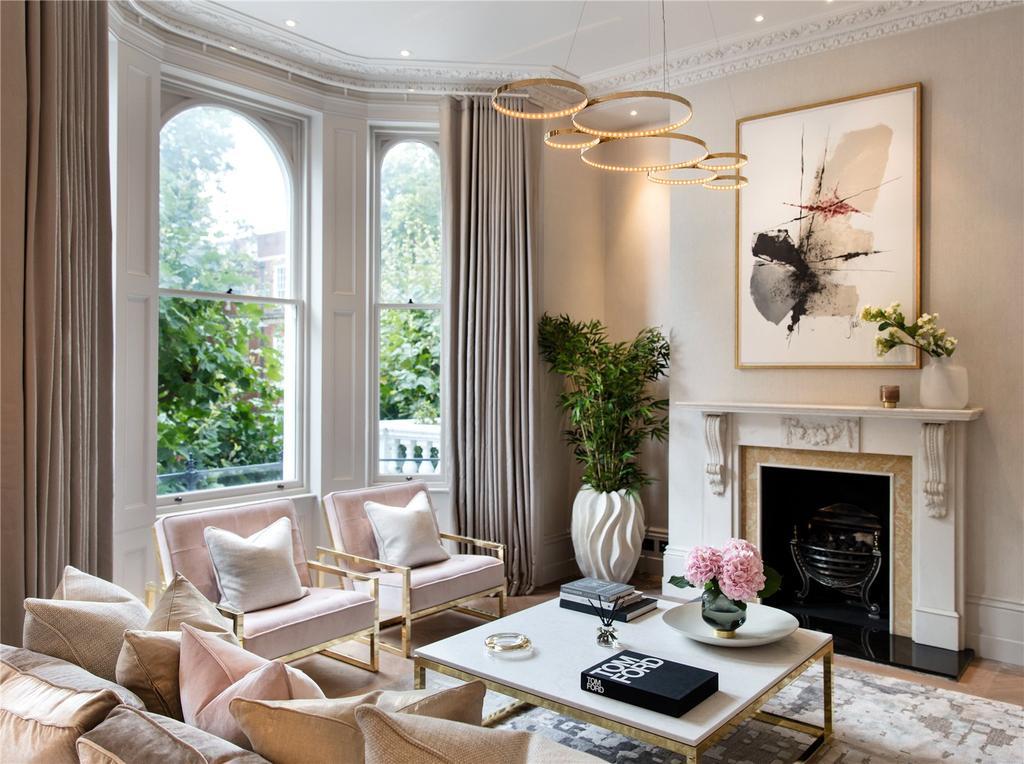 3 Bedrooms Flat for sale in Observatory Gardens, Kensington, London