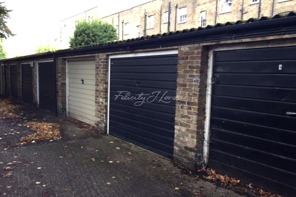 Land Commercial for sale in Garage, Compton Road, Islington, N1