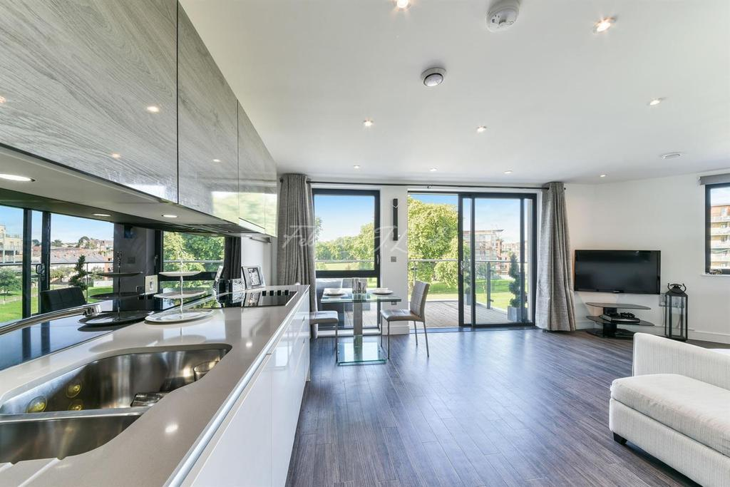 2 Bedrooms Flat for sale in Mill Court, Essex Wharf, Clapton, E5