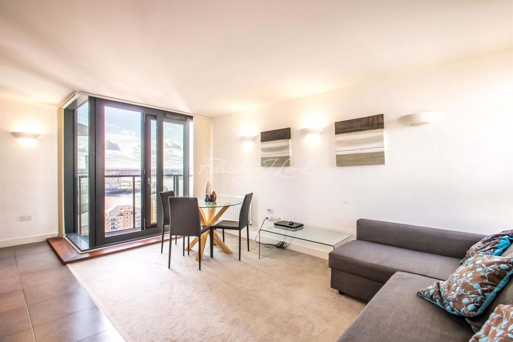 2 Bedrooms Flat for sale in Neutron Tower, E14