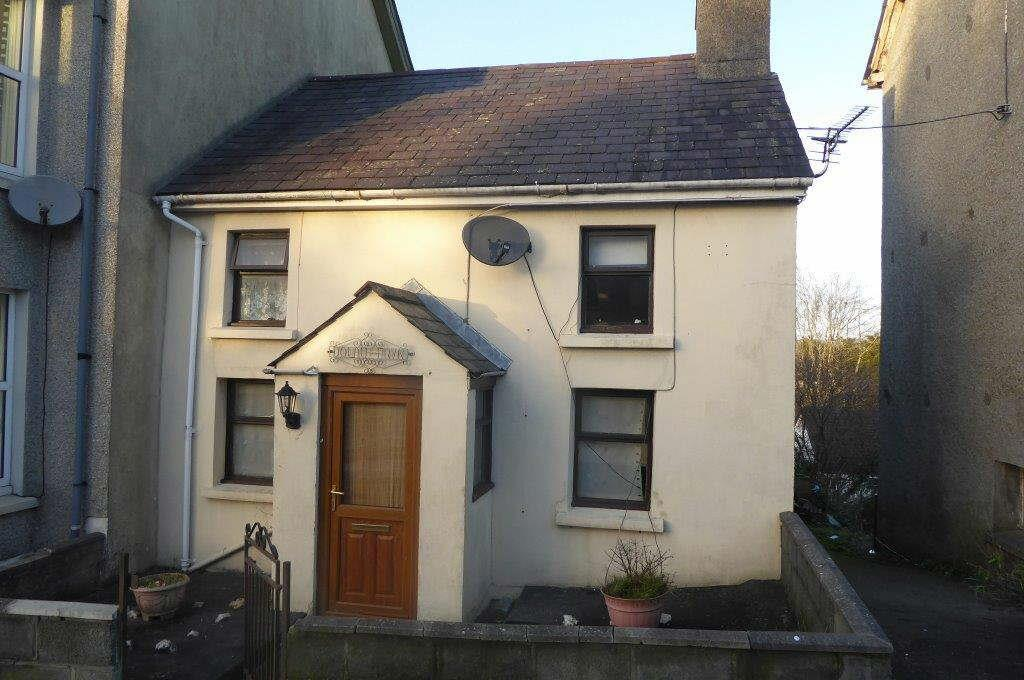 2 Bedrooms House for sale in Llanwnen Road, Llanybydder