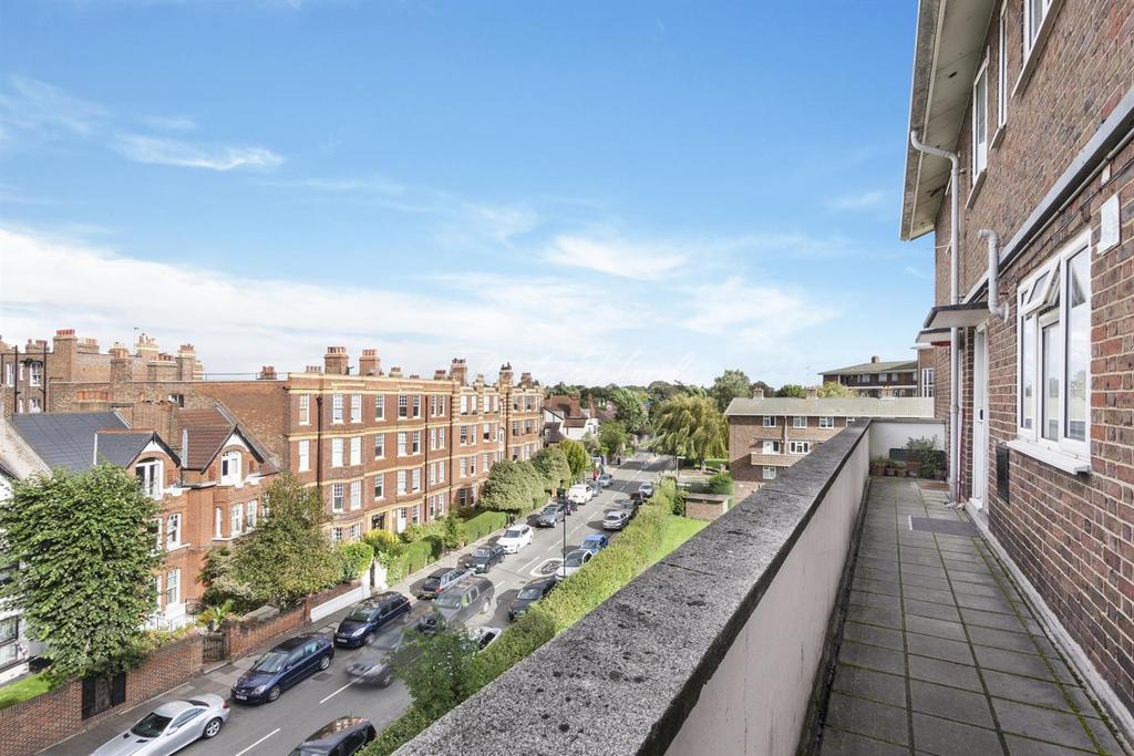2 Bedrooms Flat for sale in Fauconberg Road, W4