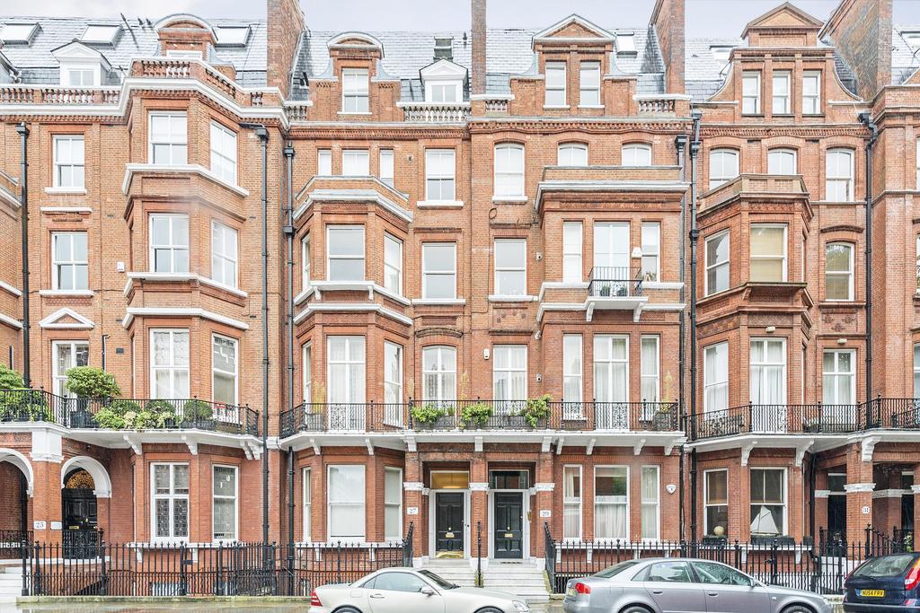 1 Bedroom Flat for sale in Cranley Gardens, South Kensington SW7
