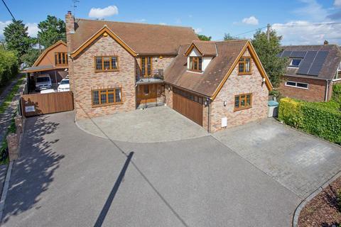 5 bedroom detached house for sale - Fambridge Road, Althorne, CM3