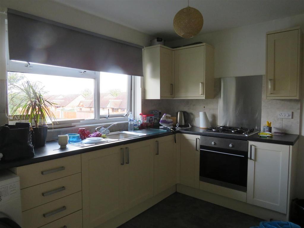 1 Bedroom Flat for sale in St. Davids Close, Llanelli