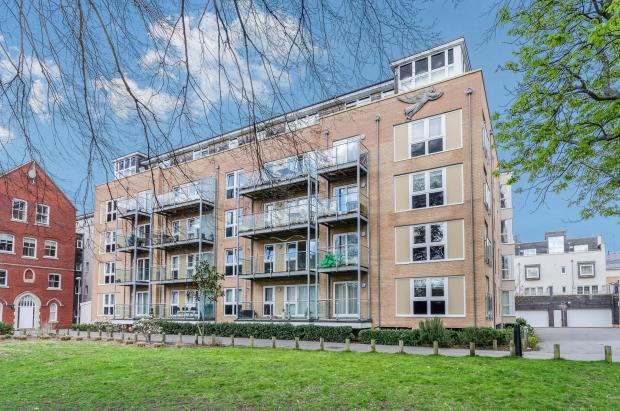 2 Bedrooms Penthouse Flat for sale in Banister Park, Southampton