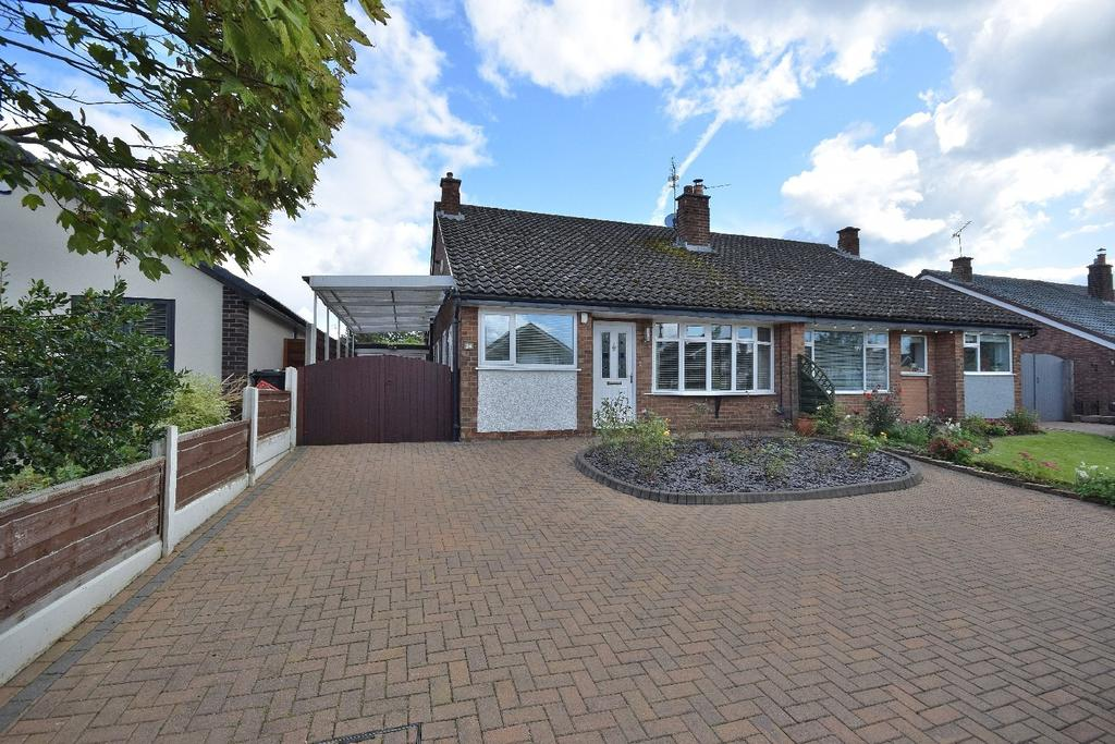3 Bedrooms Semi Detached Bungalow for sale in Yewtree Lane, Poynton