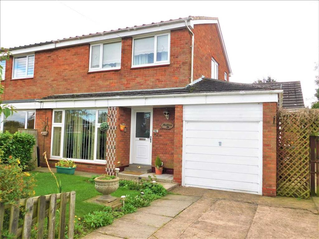 3 Bedrooms Semi Detached House for sale in PRIORY CRESCENT, ULCEBY, BRIGG