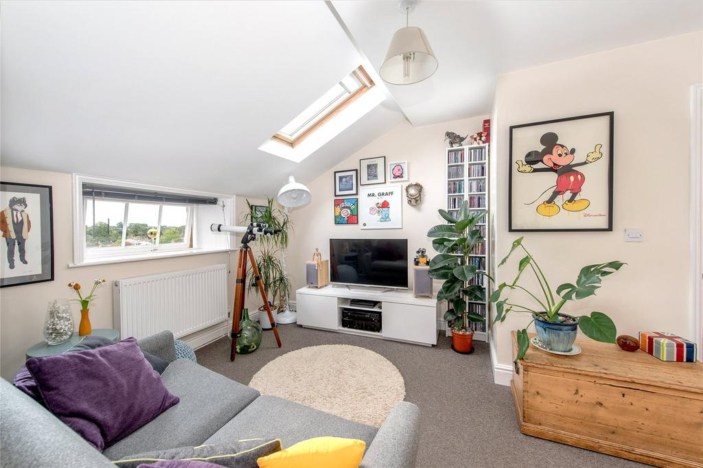 1 Bedroom Flat for sale in Annecy Court, St. Josephs Field, Taunton, Somerset