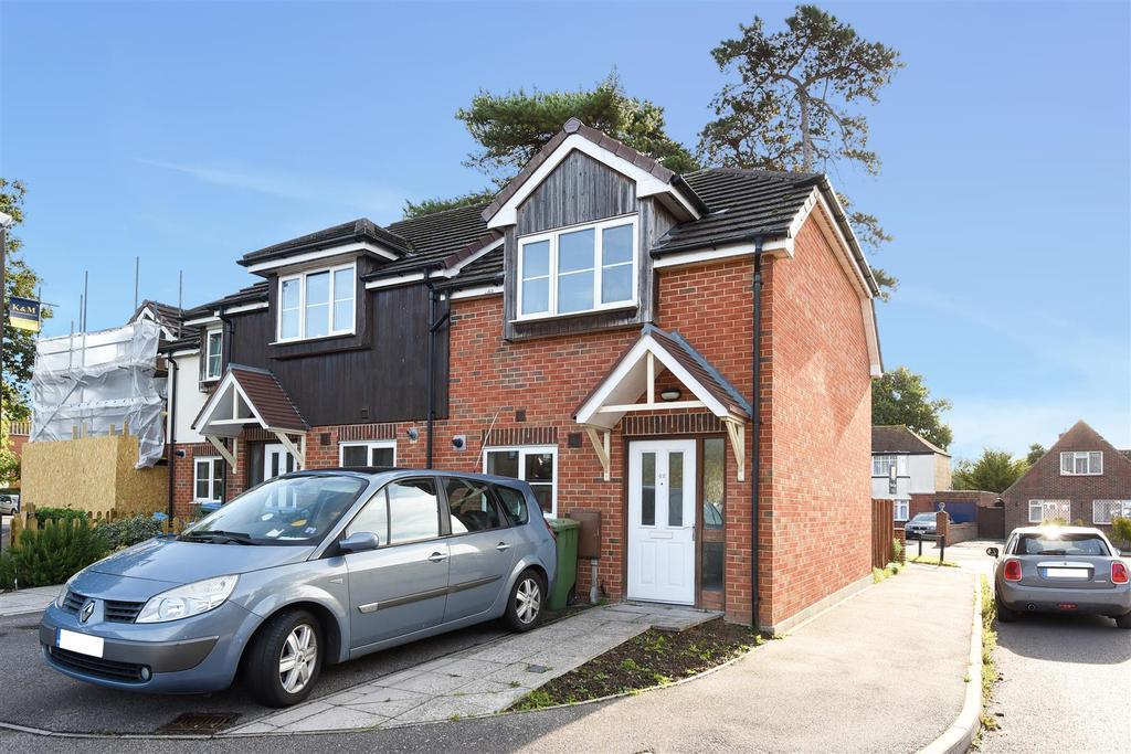 2 Bedrooms Semi Detached House for sale in Monterey Gardens, Bognor Regis