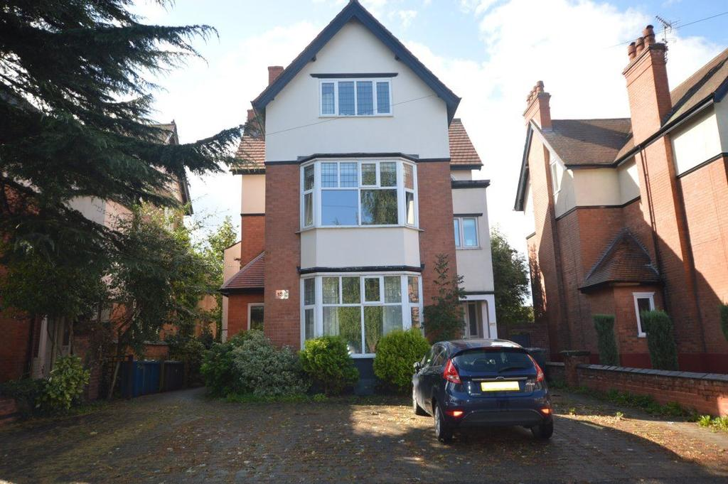 2 Bedrooms Flat for rent in Musters Road, West Bridgford