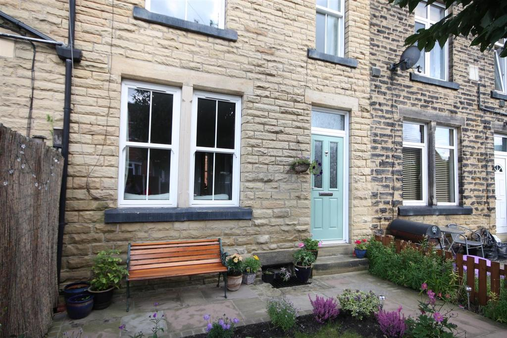 3 Bedrooms Terraced House for sale in Breary Avenue, Horsforth