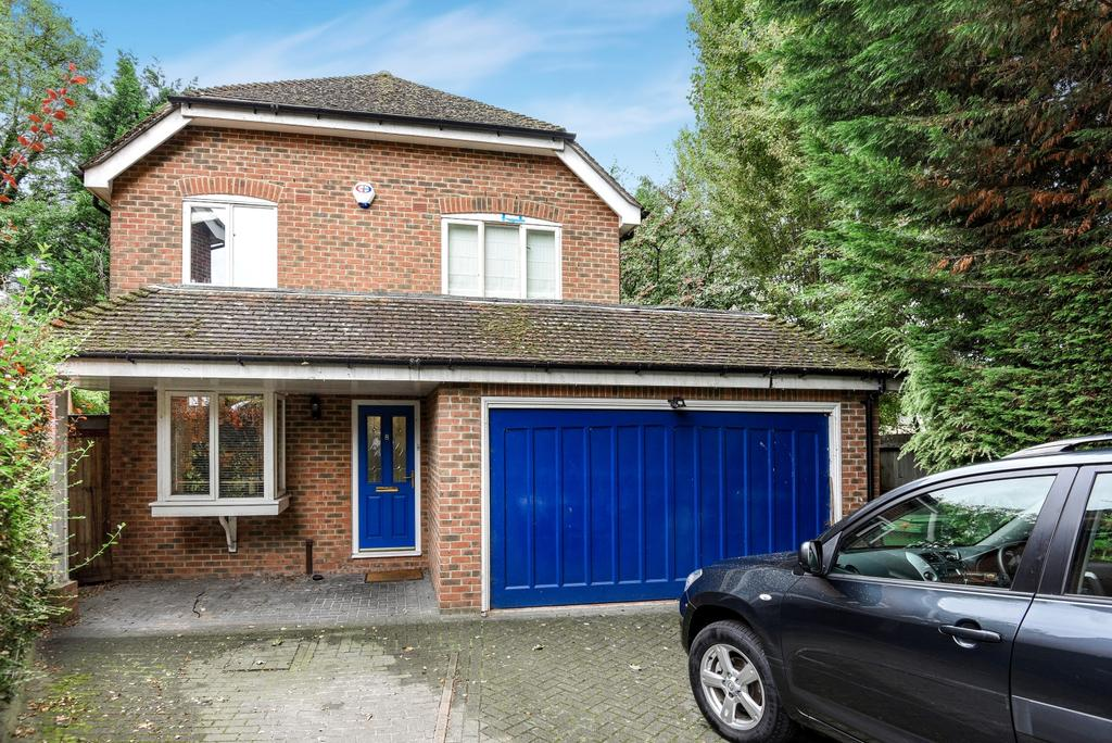 4 Bedrooms Detached House for sale in Wentworth Close Hayes BR2