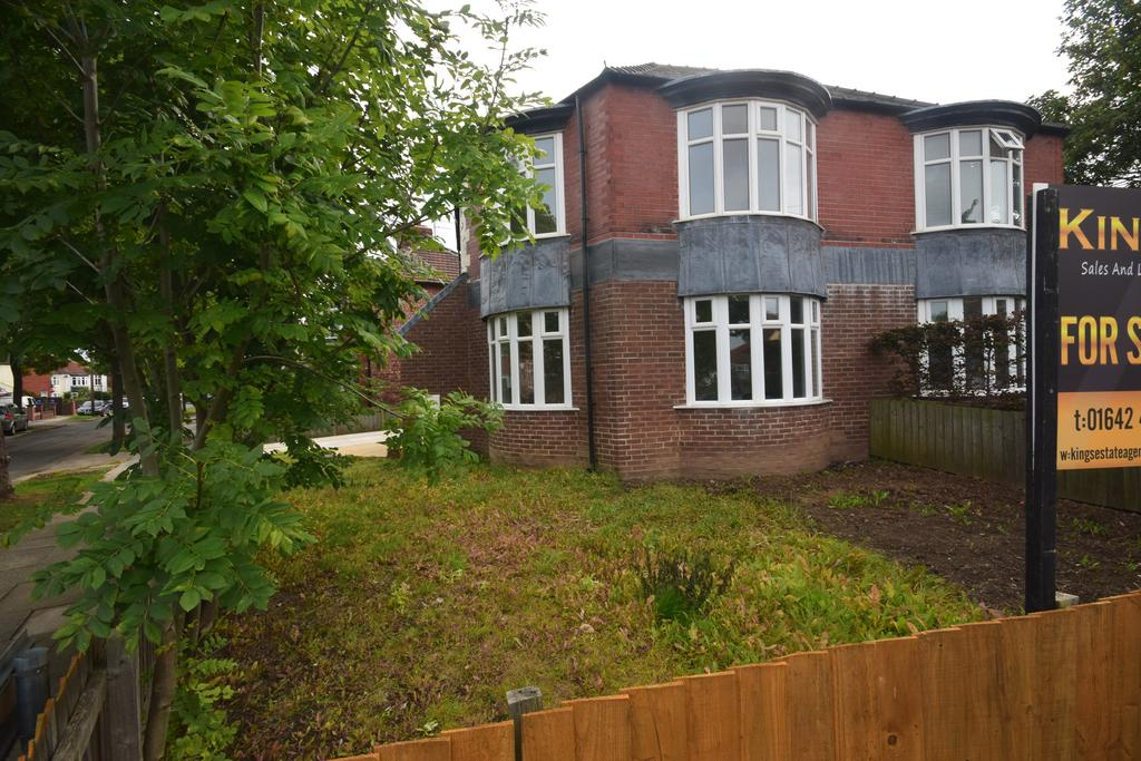 4 Bedrooms Semi Detached House for sale in Chester road, Redcar TS10