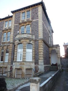 2 bedroom flat to rent - Miles Road, Clifton
