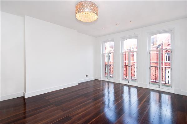 3 Bedrooms Flat for sale in HYDE PARK MANSIONS, MARYLEBONE, NW1