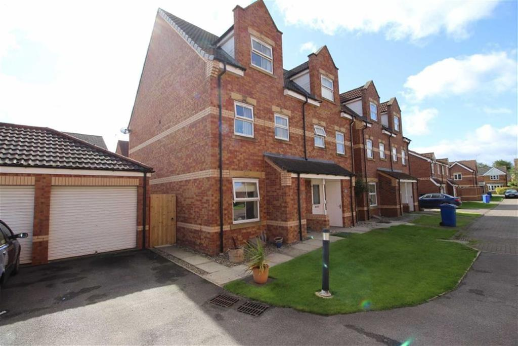 3 Bedrooms Semi Detached House for sale in Mortimer Walk, Driffield, East Yorkshire