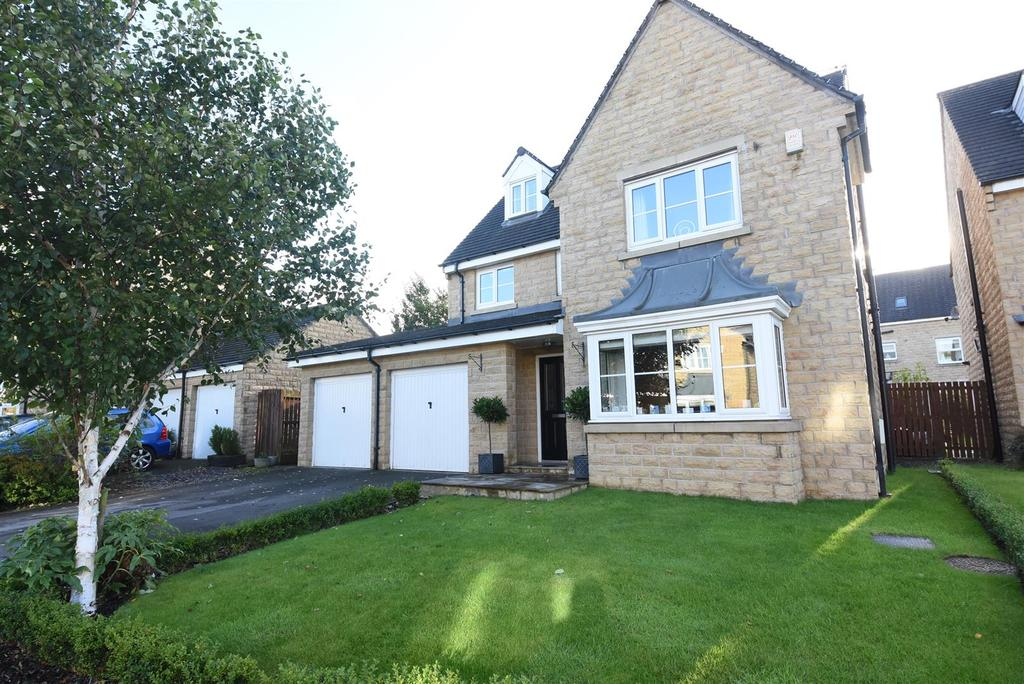 6 Bedrooms Detached House for sale in Aspen Grove, Northowram, Halifax