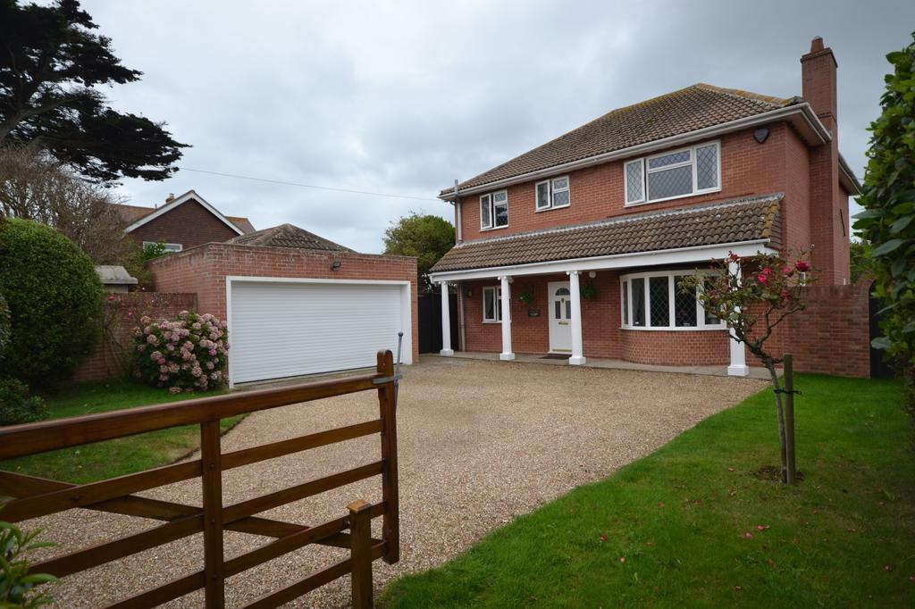 5 Bedrooms Detached House for sale in Vincent Road, Selsey, PO20