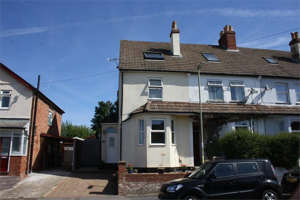 4 Bedrooms End Of Terrace House for sale in Park Road, Aldershot, Hampshire