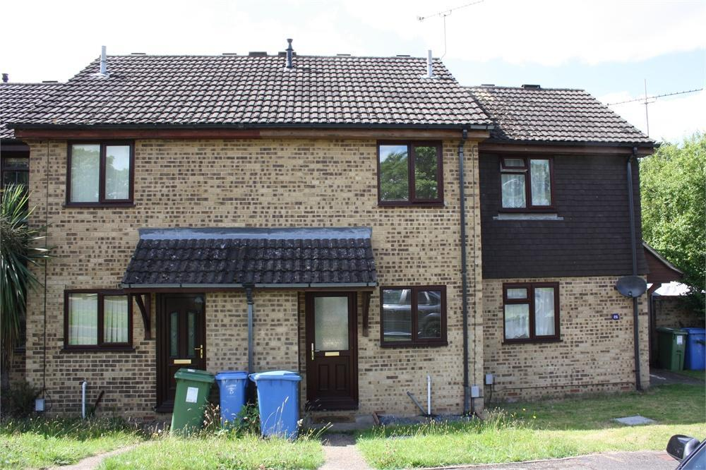 2 Bedrooms Terraced House for sale in Beaumont Grove, Aldershot, Hampshire