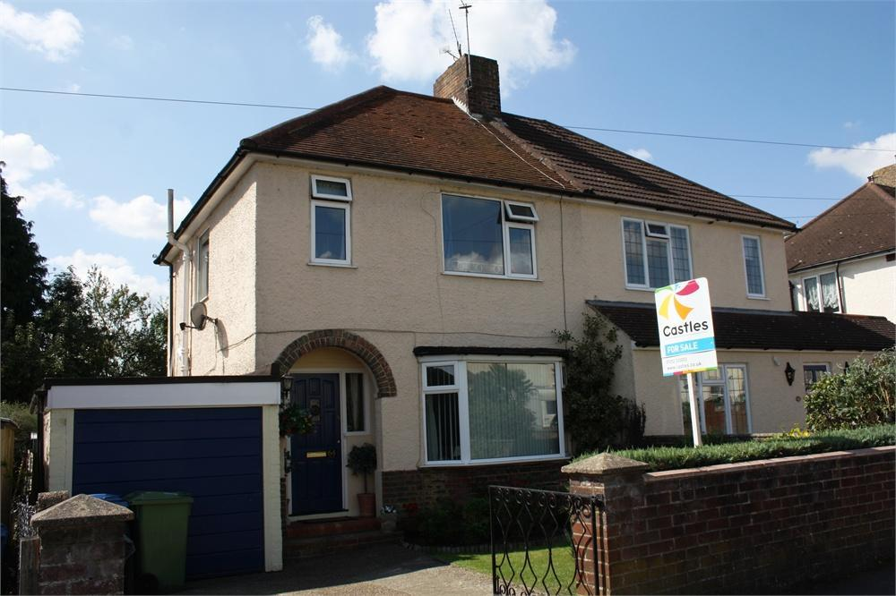 3 Bedrooms Semi Detached House for sale in Haig Road, Aldershot, Hampshire