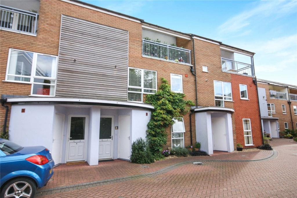 3 Bedrooms Terraced House for sale in Burton Mews, Clarence Street, Lincoln, Lincolnshire, LN1