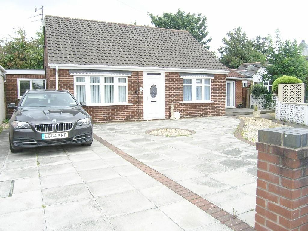 3 Bedrooms Detached Bungalow for sale in Delery Drive, Padgate, Warrington