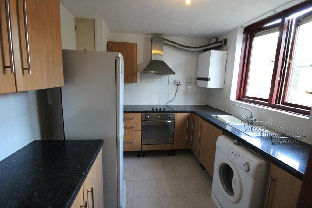 3 Bedrooms Flat for rent in St Georges Close, Sheffield S3
