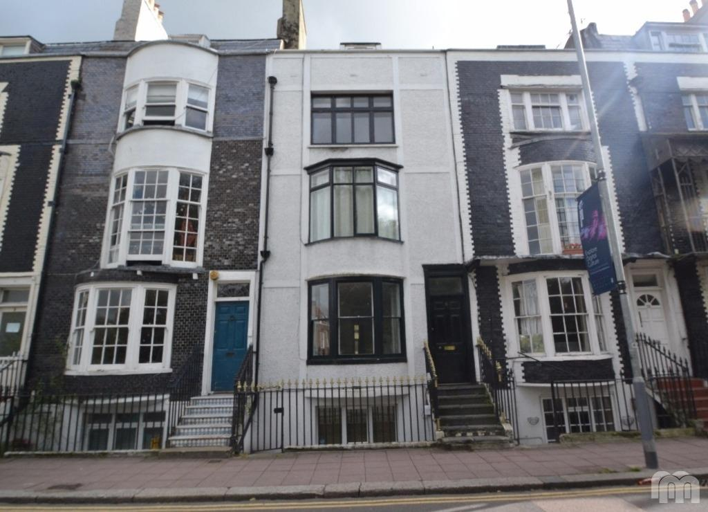 2 Bedrooms Flat for rent in Grand Parade Brighton East Sussex BN2