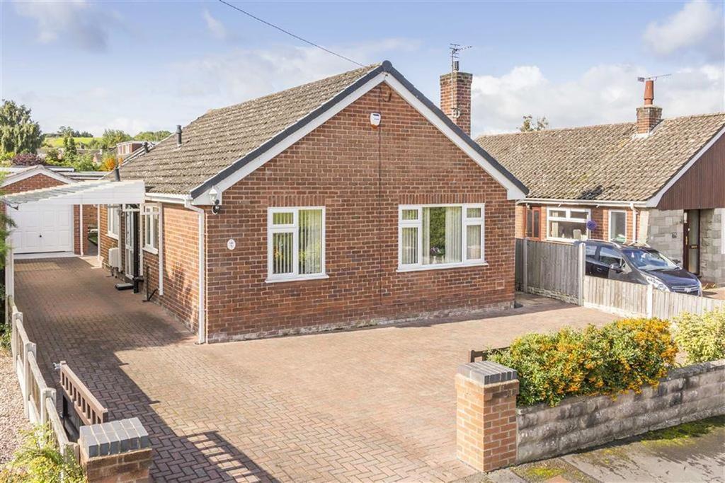 3 Bedrooms Detached Bungalow for sale in Aston Park Road, Aston Park, Deeside, Flintshire