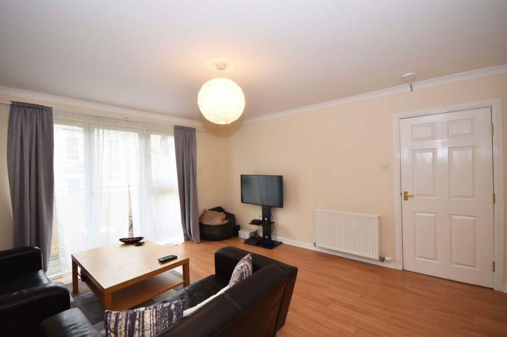 2 Bedrooms Flat for sale in 2/5 Duke Place, Edinburgh, EH6 8HP