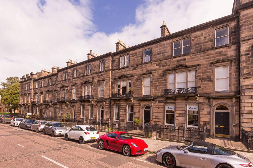 3 Bedrooms Ground Maisonette Flat for sale in 51 Manor Place, West End, Edinburgh, EH3 7EG