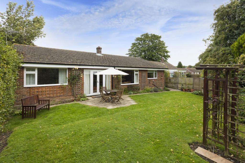3 Bedrooms Detached House for sale in Heathfield Way, Barham, CT4