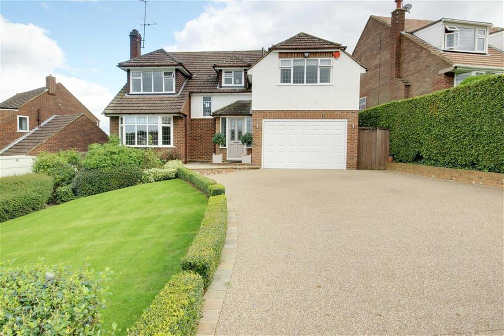 4 Bedrooms Detached House for sale in Hill Rise, Cuffley, Hertfordshire