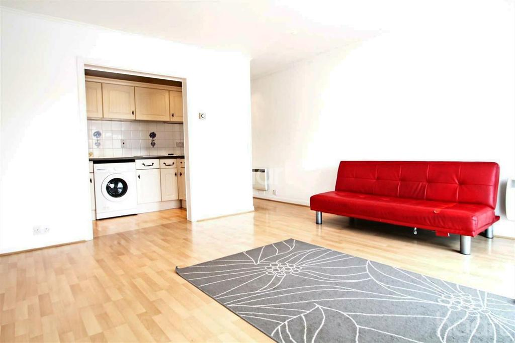1 Bedroom Flat for sale in Apartment in Marlow