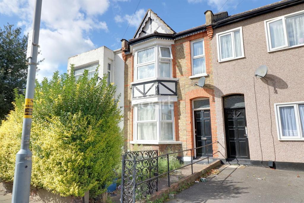 2 Bedrooms Terraced House for sale in Westwood Road, Seven King, Iford, Essex