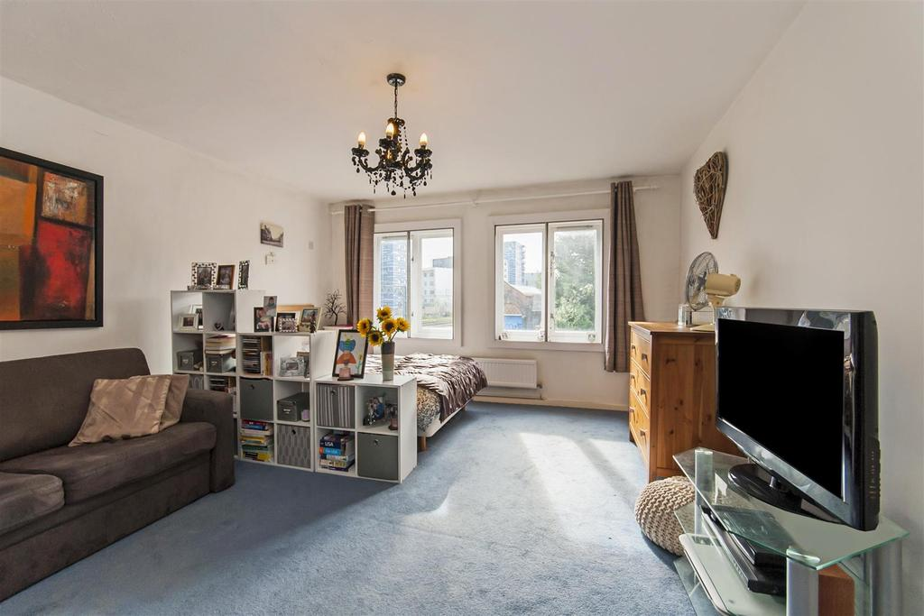 Studio Flat for sale in 111 Brondesbury Villas