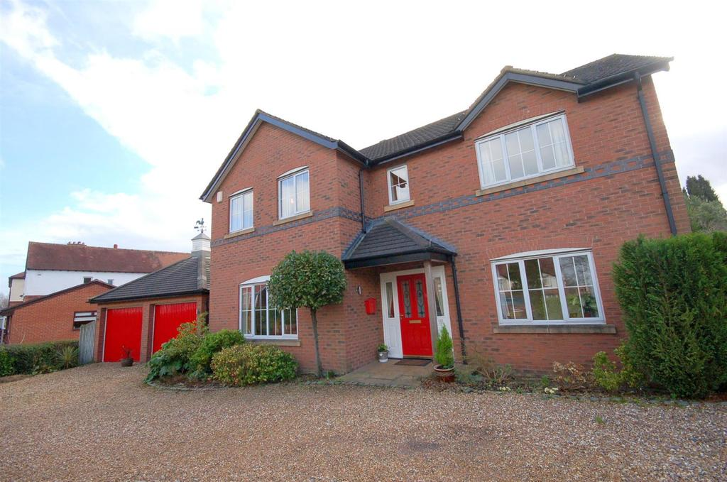 4 Bedrooms Detached House for sale in Vale Gardens, Alsager