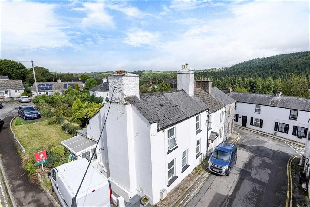 2 Bedrooms Semi Detached House for sale in King Street, Gunnislake, Cornwall