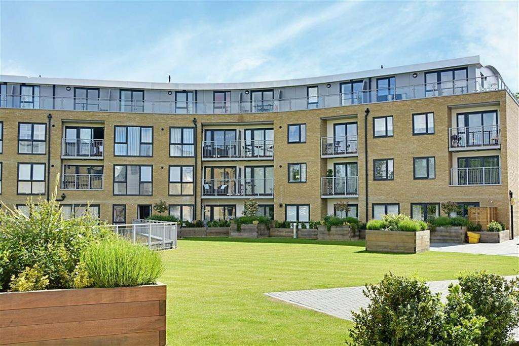 1 Bedroom Flat for sale in Smeaton Court, Hertford, Herts, SG13