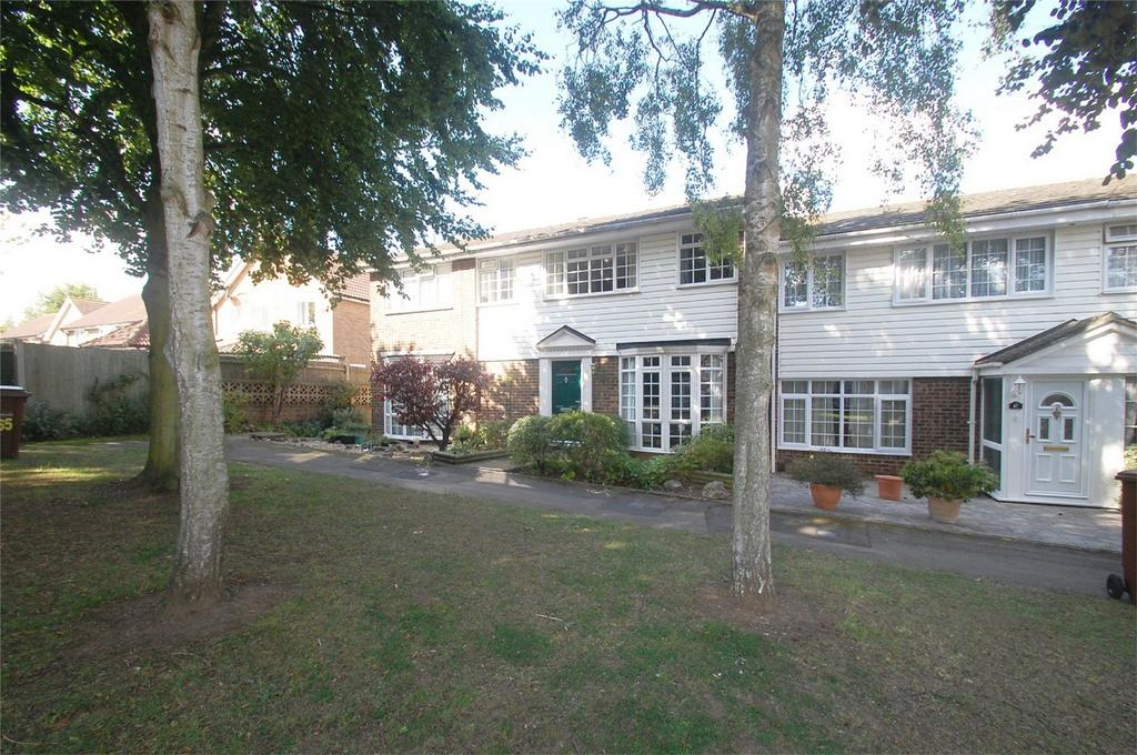 3 Bedrooms Terraced House for sale in Wheatcroft Grove, Rainham, Kent