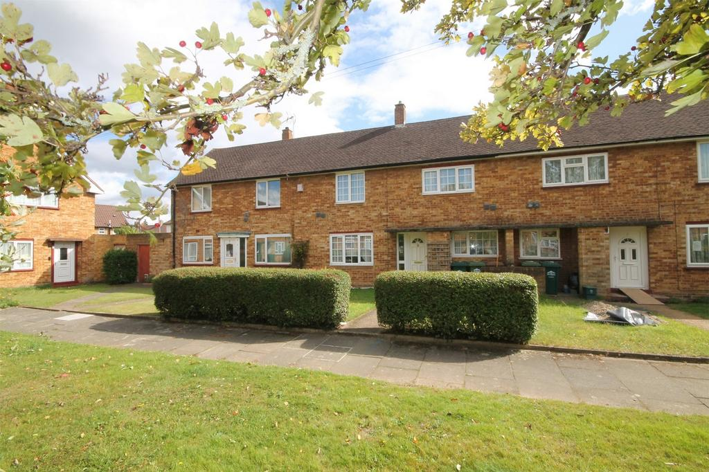3 Bedrooms Terraced House for sale in Hadrian Close, Stanwell, Surrey