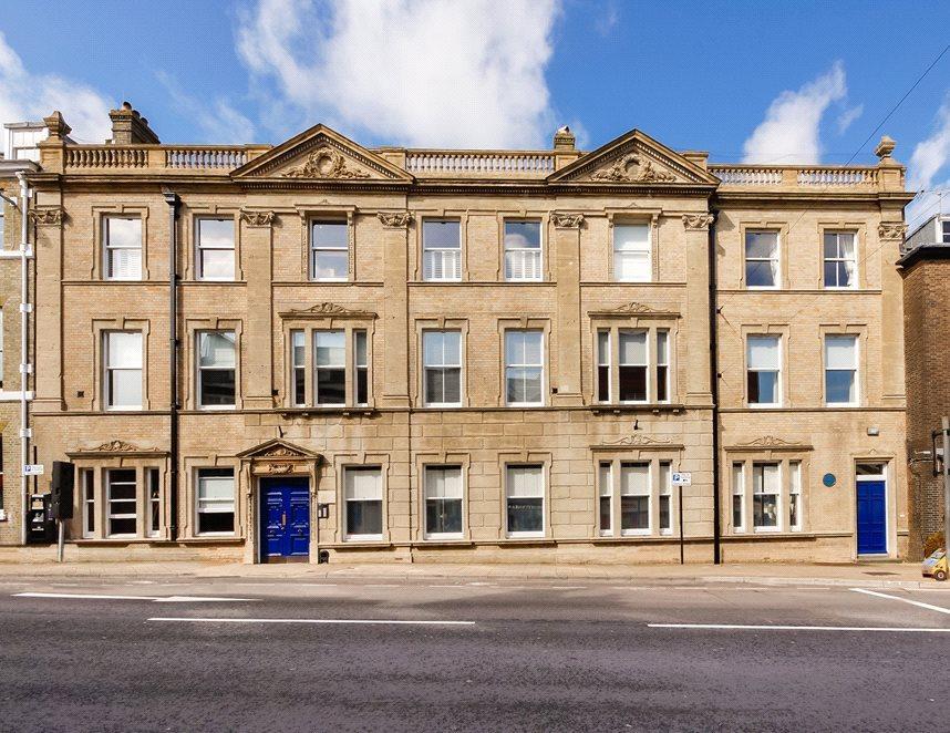 3 Bedrooms Flat for sale in High West Street, Dorchester, Dorset, DT1