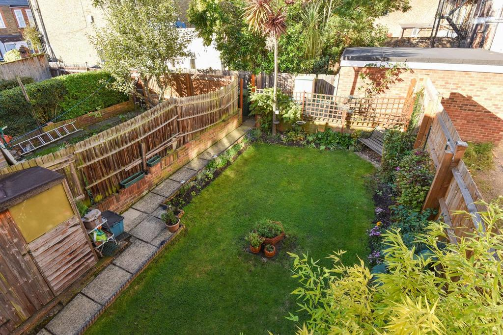 3 Bedrooms Terraced House for sale in Solway Road, East Dulwich
