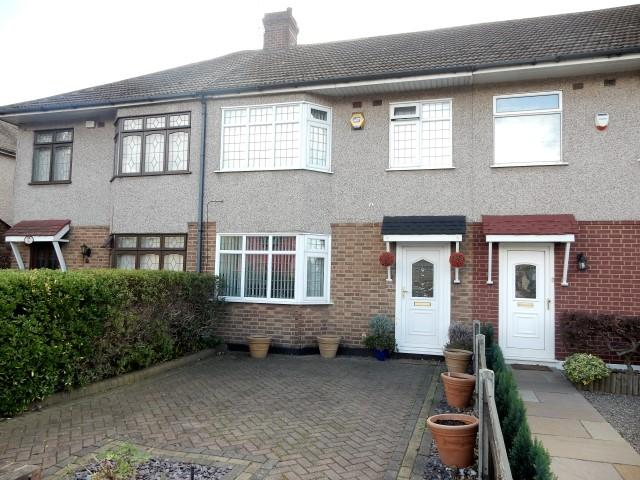 3 Bedrooms Terraced House for sale in Rainham Road, Rainham RM13